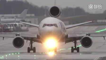 MD-11湿滑跑道起降