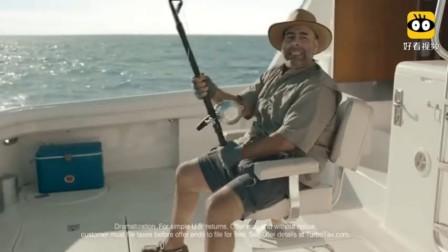 惊!男子海上钓鱼,下一秒被剑鱼中辍胸口