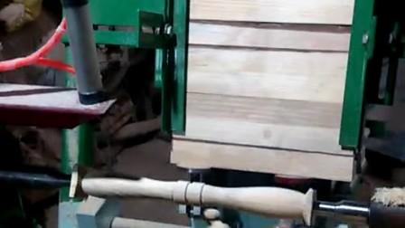 老板买了自动送料木工车床,木工师傅要失业了