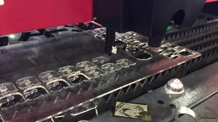 汉牛激光光纤二氧化碳两用激光切割机GTX-1325C切割6mm厚亚克力视频