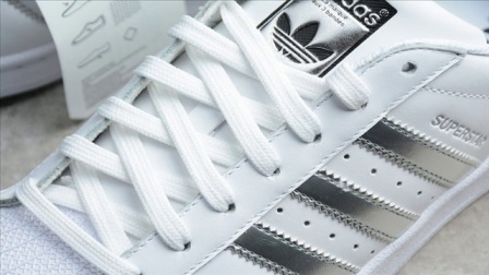 永远的经典 Adidas Superstar三叶草白银标贝壳头板鞋 阿迪贝壳头