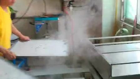 广东肠粉培训, 告诉你蒸肠粉可以放什么一起更好吃? 大多数人都是喜欢加鸡蛋。