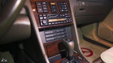 趁现在价还不高,收藏一辆第一代奔驰C级W202,真的挺值的