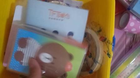(柠檬酱)自制食玩包之~给同学配的福箱。价格为50元!!!开封快递,偶像活动周边史莱姆水晶