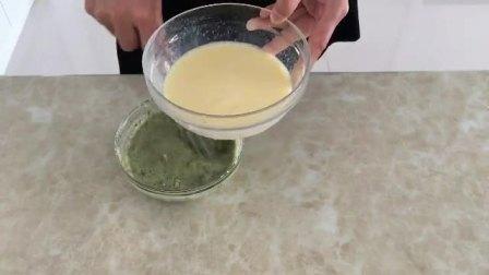 电烤箱烤蛋糕的做法 迷你烤箱烤蛋糕的做法 方糕的做法视频教程