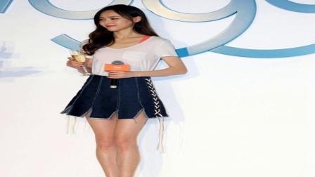 唐嫣穿超短裙秀美腿嫩回20岁,长发披肩熟女魅力让人心动