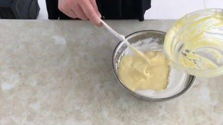 杯装蛋糕的做法 学习蛋糕制作 戚风蛋糕脱模技巧