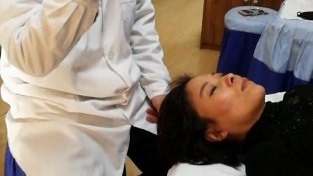 技师操作练习时需注意自己的姿势,保护好自己的颈椎 大医宫陈炳乐_20180408