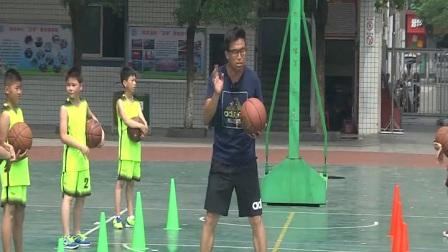 小學體育人教版五六年級《4.體前變向換手運球技術與游戲》江西秦佳萌
