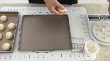 蛋糕胚的做法烤箱 做蛋糕的面粉 生日蛋糕培训班