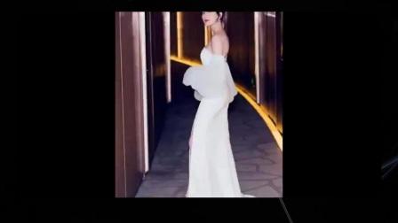江疏影出席活动,一袭白色抹胸拖地裙亮相,优雅十足,网友好美