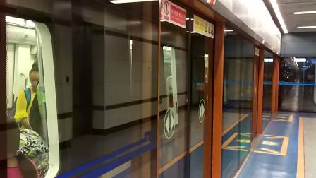 西安地铁一号线出北大街站,往后卫寨方向