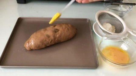 上海西点培训学校 学习蛋糕裱花 自制慕斯蛋糕的做法