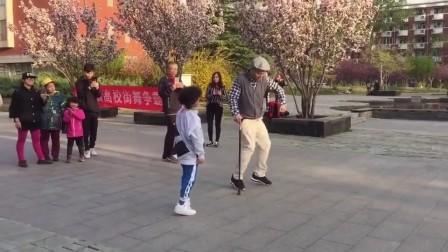 80岁老爷爷跳街舞 街舞视频