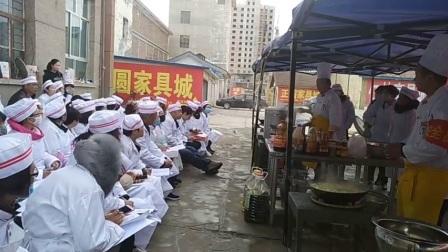城北社区烹饪技能培训小黄豆焖茄子、西红柿鸡蛋面片、回锅肉的做法。