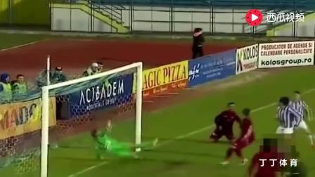 守门员: 要么被前锋的射门踢死, 要么我就把前锋都气死