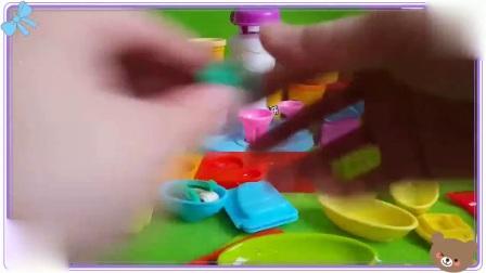 哆啦a梦与憨豆先生一起用多彩泥粘土做蛋糕,小羊肖恩 米奇妙妙屋