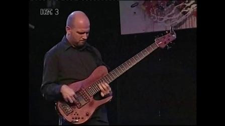 Bass solo by Goran Delac
