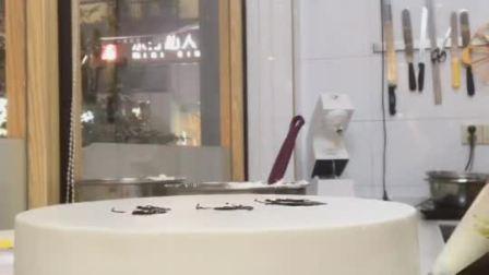 一款三个女孩背影蛋糕, 很是喜欢, 一看就是送给闺蜜的