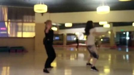 新学的电影《神秘巨星》中《Sexy Baliye》的舞蹈