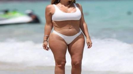 皮蓬爱妻迈阿密海滩白色比基尼拍写真与卡戴珊是闺蜜差点离婚