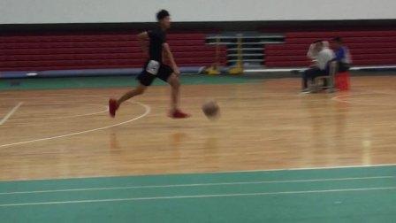 中考篮球半场来回运球上篮