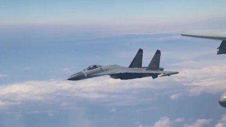 """中国人民解放军空军轰-6K等多型战机执行""""绕岛巡航""""任务,用战鹰航迹丈量祖国大好河山"""