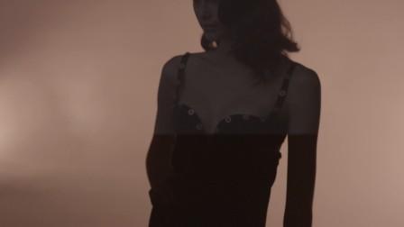欧米茄携手凯雅·格伯于柏林发布全新碟飞名典系列女士腕表