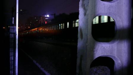 东风4D0083牵引客车K426进绍兴站