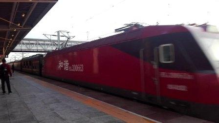 K345次列车(温州-沈阳北)进盘锦站