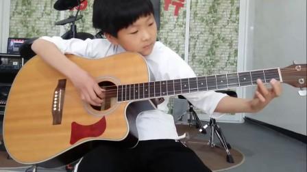 胖小鸭 沈忆楠弹吉他