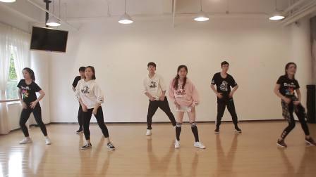 芭蕾娜国际教育-芭蕾爵士舞培训班从零学舞蹈天天练舞功-专业幼儿少儿成人舞蹈教学机构-深圳艺术培训舞蹈学校让孩子自信爱跳舞-师资教研篇12