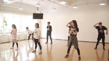 芭蕾娜国际教育-芭蕾爵士舞培训班从零学舞蹈天天练舞功-专业幼儿少儿成人舞蹈教学机构-深圳艺术培训舞蹈学校让孩子自信爱跳舞-师资教研篇13
