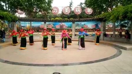 北京金玉霞光锅庄舞蹈队学习小柳老师编舞《挤奶之歌》