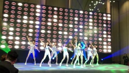 广州鼓舞倾城艺术团  青春热舞《bangbang》