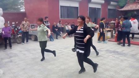 曲阳县宿家庄村仪仗队广场舞