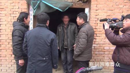 王杰臣书记在农场(2018年5月)