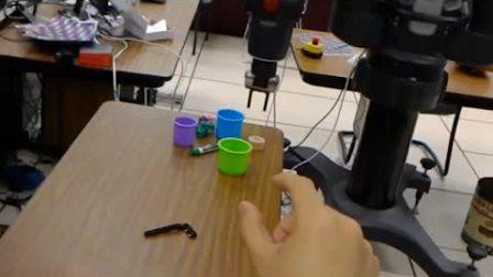 利用机器人操作系统和全息计算机设备控制Baxter