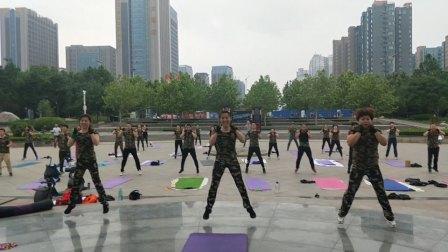 王芳体育体能半军事化训练