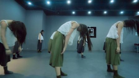 单色舞蹈 中国舞暑期集训班学员展示《匆匆那年》现代舞成人0基础教学