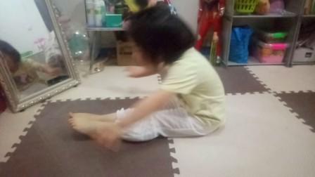 板栗跳舞这是娃娃小手