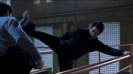 《宇宙追缉令》  正邪李连杰肉搏展超强中国功夫