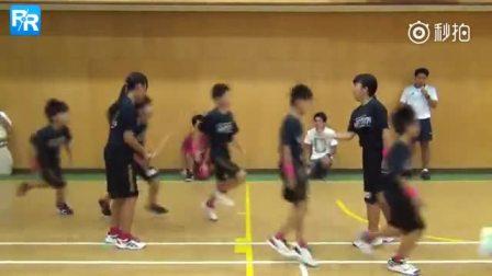 日本小学生打破跳大绳吉尼斯记录