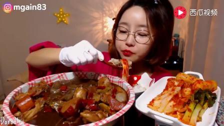 韩国大胃王阿姨吃烧鸡 加了宽粉就是好吃 几天不见饭量见长啊