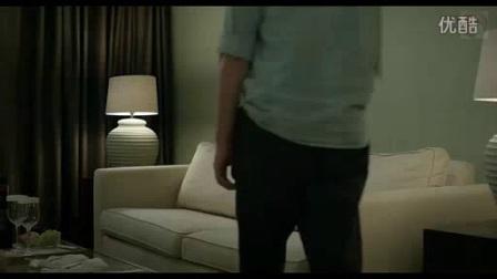 我在进口视频8 男人醉酒倒在沙发上!脚!截了一段小视频