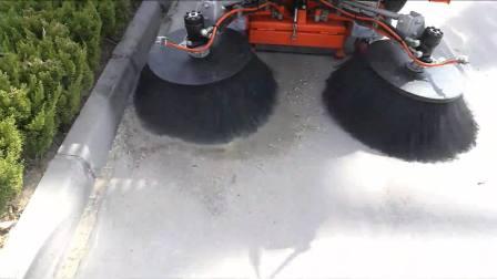 城市清扫车作业视频  扫路机多少钱