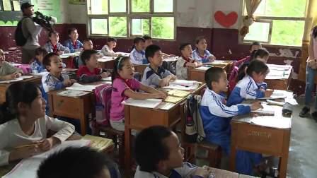 极限挑战:张艺兴走进山村小学教室教小学生,英文水平666