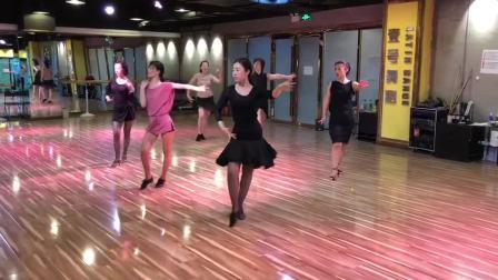 大连拉丁舞壹号舞蹈专业拉丁舞成人培训班欢欢月月伦巴