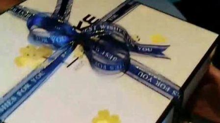 蛋糕盒丝带绑法教学 蝴蝶结怎么系 面包房蛋糕坊快速扎蝴蝶结