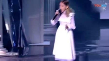 我在乌克兰儿童好声音, 小女孩演唱难度六颗星的摇滚乐, 导师起立欢呼了截了一段小视频